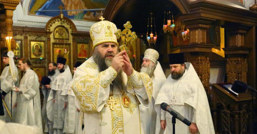 Митрополит Георгий совершил параклис Божией Матери и Божественную литургию в Александро-Невском кафедральном соборе Нижнего Новгорода