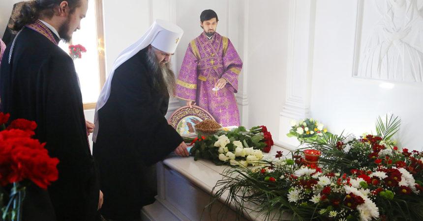 В Нижнем Новгороде молитвенно помянули митрополита Нижегородского и Арзамасского Николая
