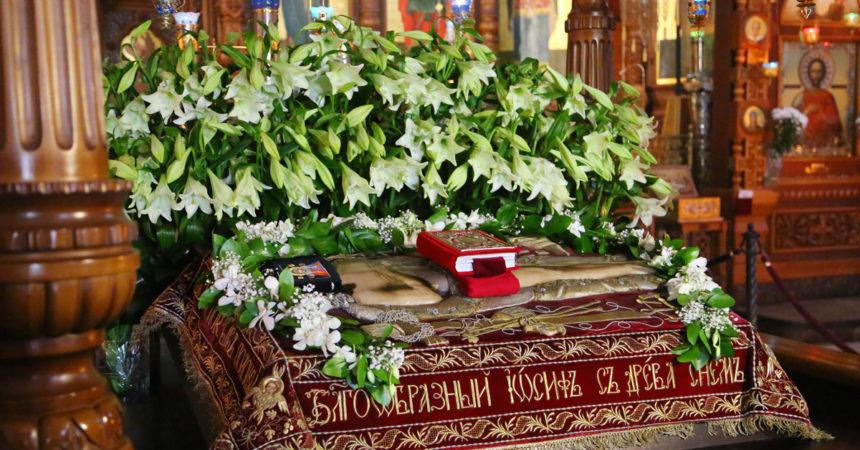 В Александро-Невском кафедральном соборе Нижнего Новгорода состоялась утреня Великой субботы с чином погребения Плащаницы