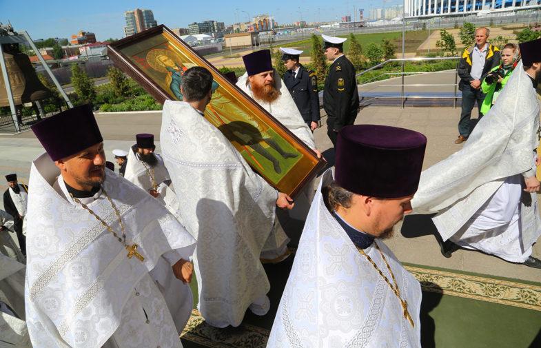 В Александро-Невском кафедральном соборе Нижнего Новгорода торжественно встретили икону святого праведного воина Феодора Ушакова