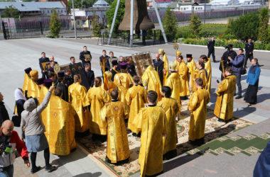 Митрополит Георгий возглавил Божественную литургию в Александро-Невском кафедральном соборе Нижнего Новгорода