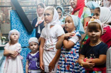 Митрополит Георгий совершил Божественную литургию в канавинском храме в честь Владимирской иконы Божией Матери