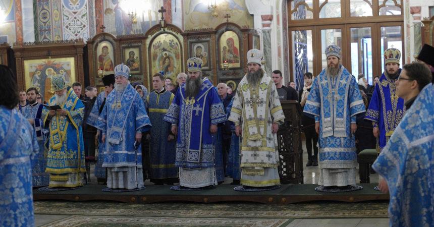 Митрополит Георгий совершил параклис Пресвятой Богородице и Божественную Литургию в Александро-Невском кафедральном соборе Нижнего Новгорода