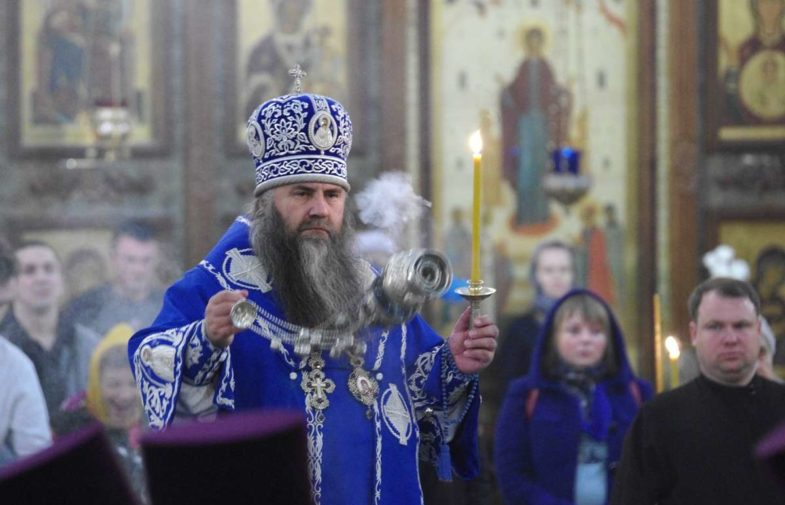 Митрополит Георгий возглавил всенощное бдение в Александро-Невском кафедральном соборе Нижнего Новгорода
