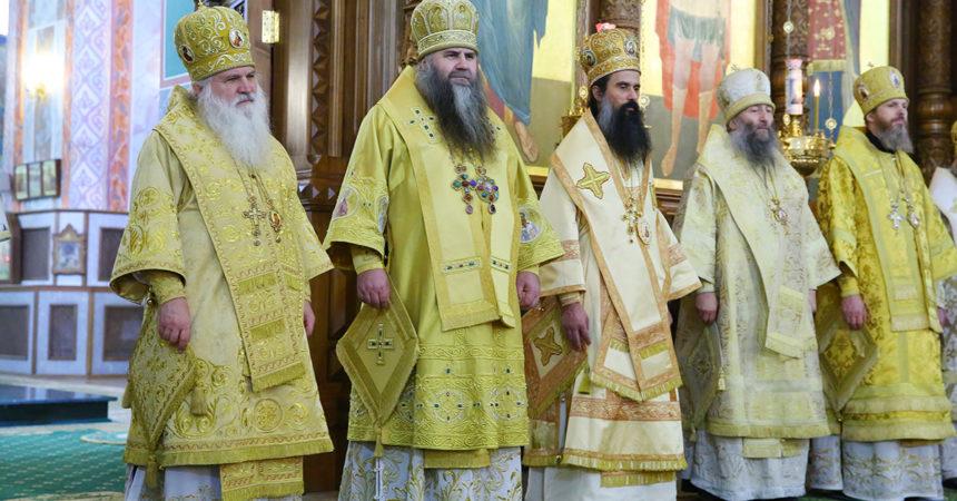 Сонм архиереев Православной Церкви совершил Божественную литургию в Александро-Невском кафедральном соборе Нижнего Новгорода