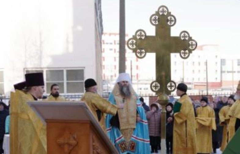 В Нижнем Новгороде состоялось Освящение креста и купола колокольни возрождающегося храма в честь Преображения Господня