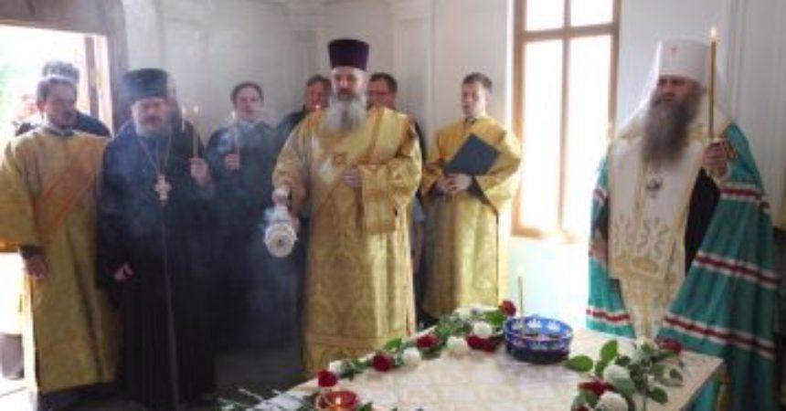 Митрополит Георгий совершил заупокойную литию о почившем 19 лет назад митрополите Николае (Кутепове)