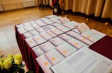 15 июня 2021 года состоялось вручение аттестатов гимназистам, закончившим 9 класс православной Александро-Невской гимназии